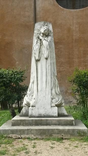 Sabina Courtyard